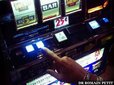 Entre pertes et gains: $1 pour le casino