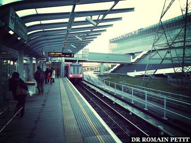 On attend le DLR pour le centre de Londres