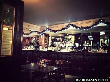Diner dans un pub