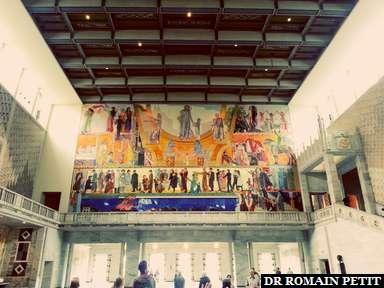 Fresque à l'intérieur de l'Hôtel de Ville d'Oslo.