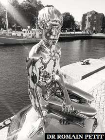 Sculpture d'un homme à Helsingør.