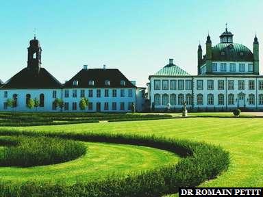 Fredensborg Palace et son jardin à Fredensborg.