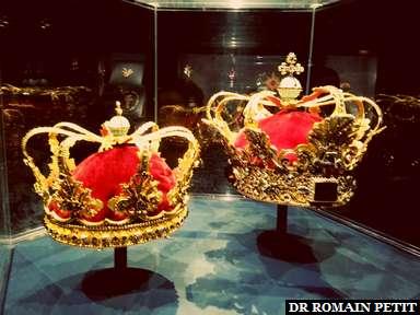 Couronnes royales à Rosenborg Castle à Copenhague.