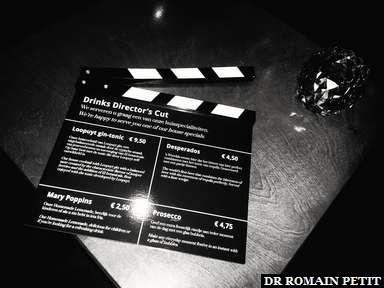 Carte des cocktails dans le bar de l'hôtel dans un ancien cinéma, à Maastricht.