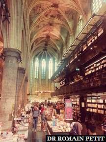 Boekhandel, librairie dans une église, à Maastricht.