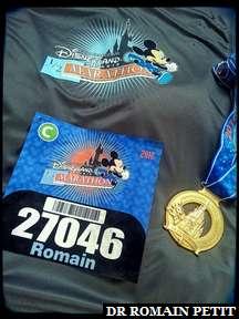 Focus sur mon dossard, t-shirt et médaille du Semi-Marathon Disneyland Paris - Val d'Europe