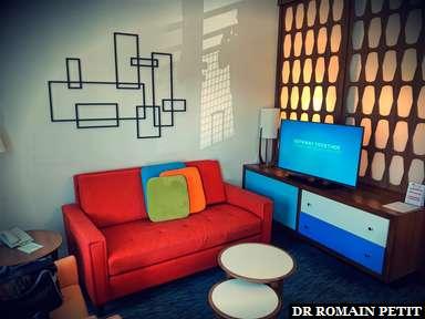 Salon de notre chambre de l'hôtel Universal's Cabana Bay Beach Resort