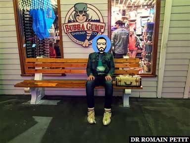 Photo souvenir devant le restaurant Bubba Gump Shrimp Co. de Universal CityWalk d'Orlando