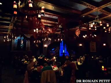 Une des 3 salles du restaurant Be Our Guest (La Belle et la Bête) à Magic Kingdom Park