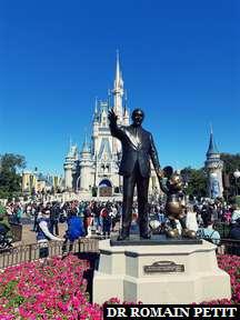 Statue Partners (Walt Disney et Mickey Mouse) sur Central Plaza à Magic Kingdom Park