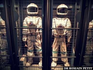 Dans la file d'attente de l'attraction Mission Space à Epcot