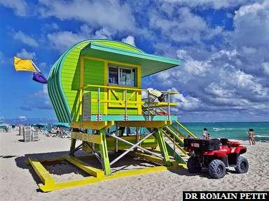Poste de secours sur la page de Miami