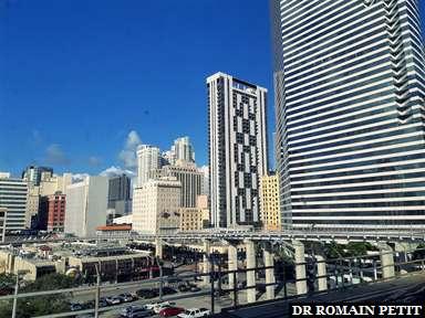 Immeubles à Miami en metromover 1