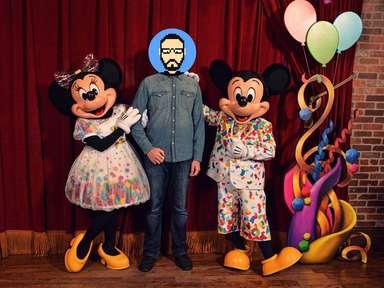 Rencontre avec Mickey Mouse et Minnie Mouse dans leur tenue des 90 ans à Magic Kingdom Park